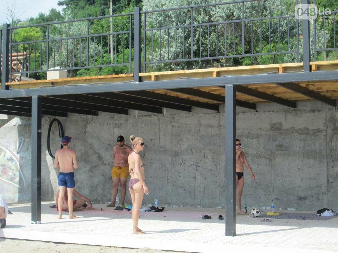 Коммерческое благоустройство от горсовета медленно, но уверенно отбирает пляж у горожан (ФОТО), фото-8