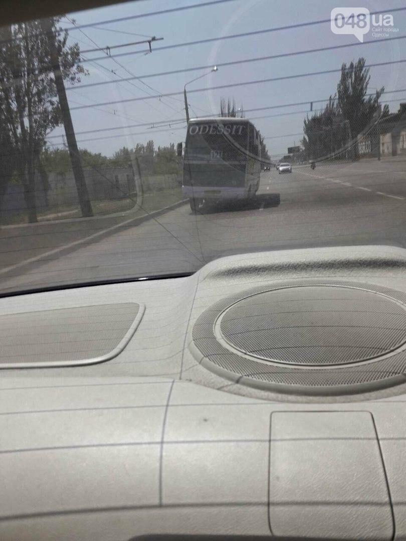По Одессе гоняет кособокая маршрутка (ФОТО), фото-4