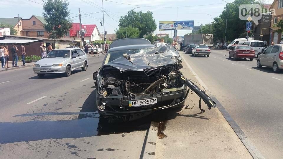 В Одессе BMW превратился в лепешку (ФОТО), фото-2