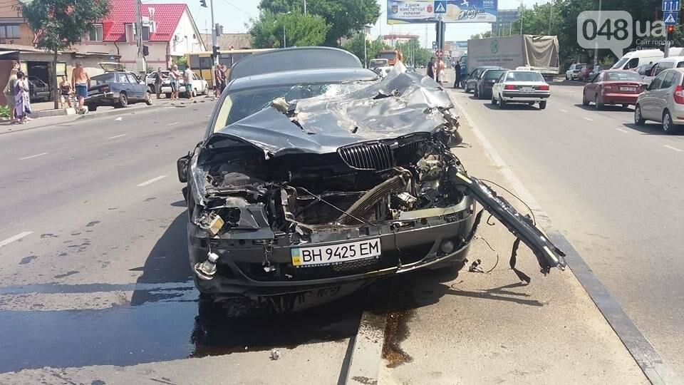 В Одессе BMW превратился в лепешку (ФОТО), фото-3
