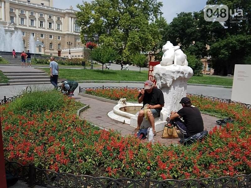 Вандалы покусились на уникальный фонтан в центре Одессы (ФОТО), фото-9