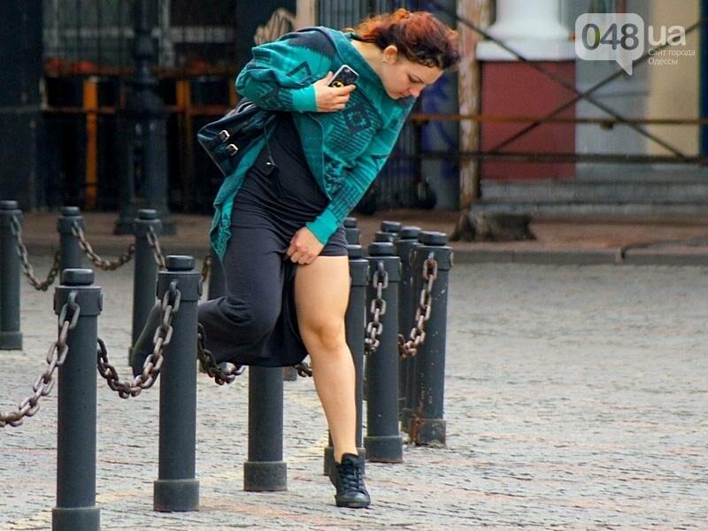 Шапка и шуба: чем порадовал июльский день одесситов (ФОТО), фото-6