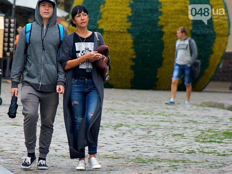 Шапка и шуба: чем порадовал июльский день одесситов (ФОТО), фото-19