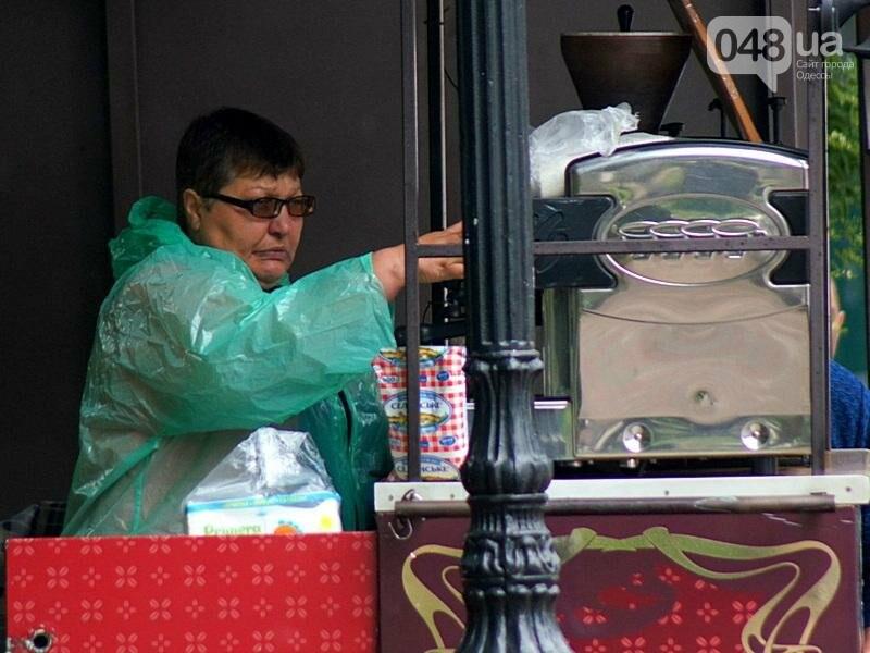Шапка и шуба: чем порадовал июльский день одесситов (ФОТО), фото-37