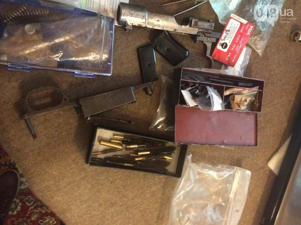 Глоки, кольты, гранаты и винтовка Мосина: СБУ задержали одесситов-членов крупной банды (ФОТО), фото-2