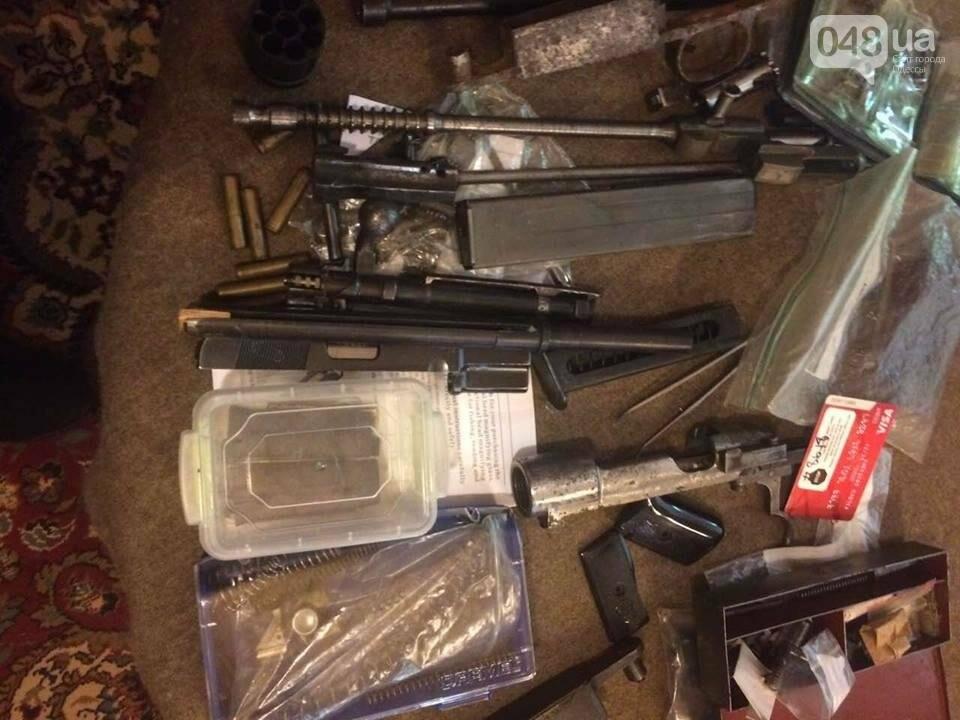 Глоки, кольты, гранаты и винтовка Мосина: СБУ задержали одесситов-членов крупной банды (ФОТО), фото-5