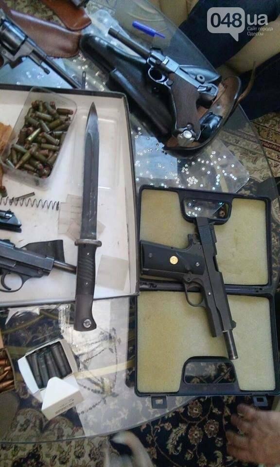 Глоки, кольты, гранаты и винтовка Мосина: СБУ задержали одесситов-членов крупной банды (ФОТО), фото-10