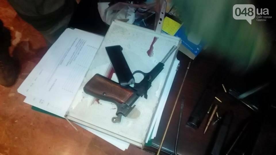 Глоки, кольты, гранаты и винтовка Мосина: СБУ задержали одесситов-членов крупной банды (ФОТО), фото-11