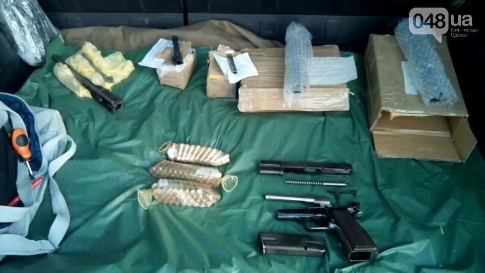 Глоки, кольты, гранаты и винтовка Мосина: СБУ задержали одесситов-членов крупной банды (ФОТО), фото-13