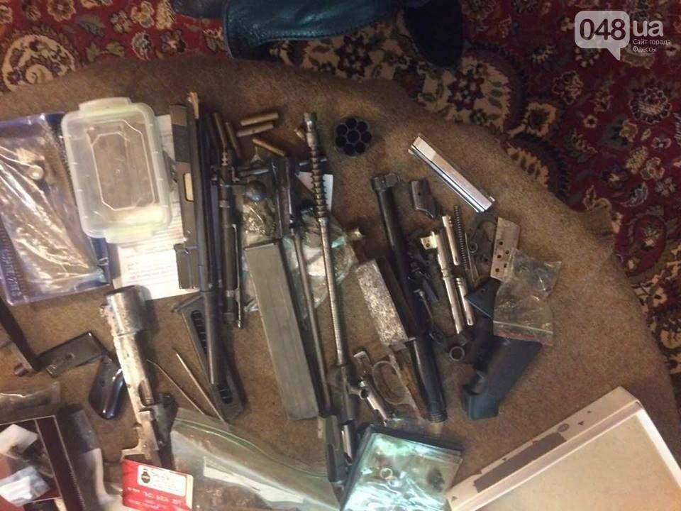 Глоки, кольты, гранаты и винтовка Мосина: СБУ задержали одесситов-членов крупной банды (ФОТО), фото-14