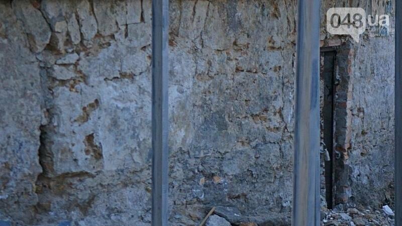 Археология, а не реставрация: что нашли под колоннадой в Одессе? (ФОТО), фото-3