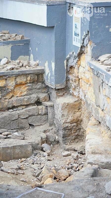Археология, а не реставрация: что нашли под колоннадой в Одессе? (ФОТО), фото-7