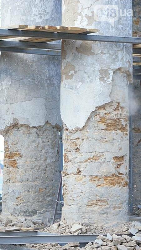 Археология, а не реставрация: что нашли под колоннадой в Одессе? (ФОТО), фото-9