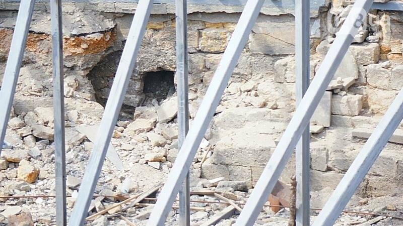 Археология, а не реставрация: что нашли под колоннадой в Одессе? (ФОТО), фото-13