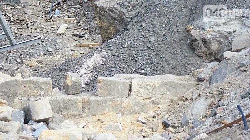 Археология, а не реставрация: что нашли под колоннадой в Одессе? (ФОТО), фото-17