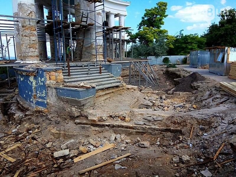Археология, а не реставрация: что нашли под колоннадой в Одессе? (ФОТО), фото-22
