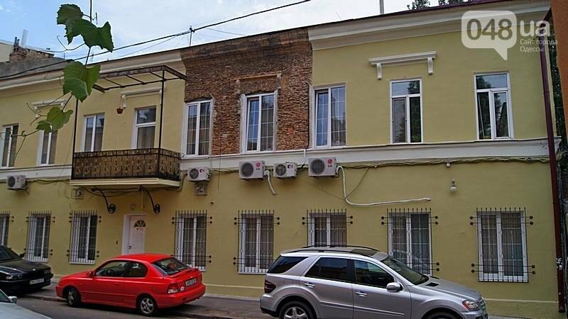 Возле одесского дома с одной стеной опозорились реставраторы (ФОТО), фото-3