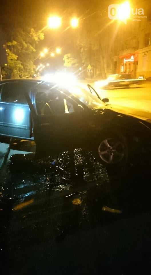 В центре Одессы произошла авария: Машина всмятку, пассажирка скончалась (ФОТО), фото-3