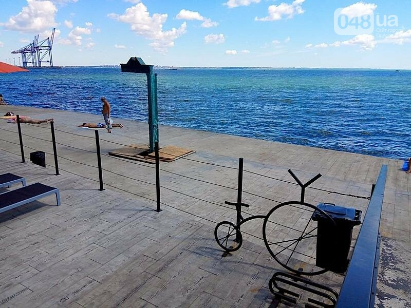 Новая скульптура-вход появилась на пляже в Одессе (ФОТО), фото-1
