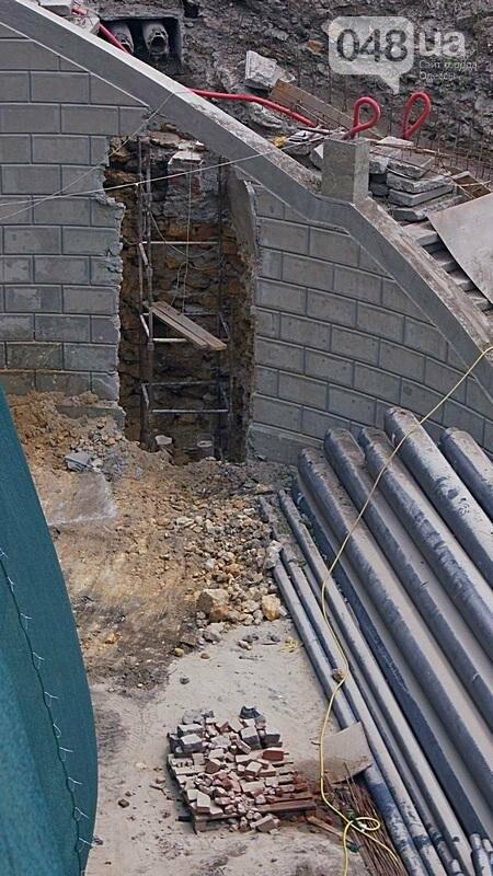 Архитектурный вандализм: в Одессе легендарного брата Эйфелевой башни опять реставрируют (ФОТО), фото-5