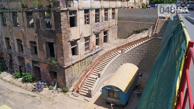 Архитектурный вандализм: в Одессе легендарного брата Эйфелевой башни опять реставрируют (ФОТО), фото-3