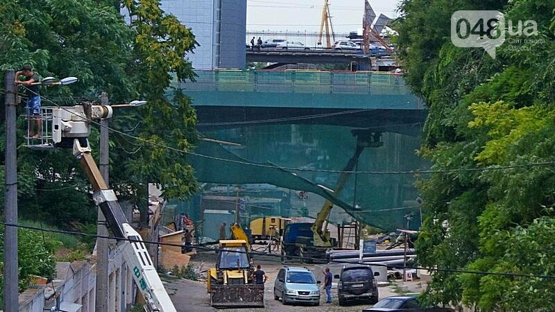 Архитектурный вандализм: в Одессе легендарного брата Эйфелевой башни опять реставрируют (ФОТО), фото-11