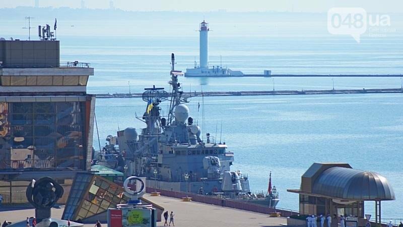В Одессе гостит турецкий военный флот с подлодкой (ФОТО), фото-1