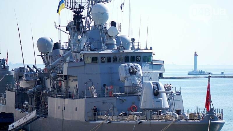 В Одессе гостит турецкий военный флот с подлодкой (ФОТО), фото-8