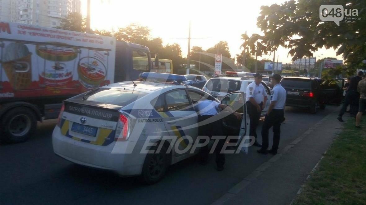 Ограбление казино: по Одессе устроили погоню за подозреваемыми (ФОТО), фото-1