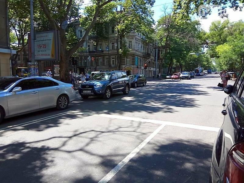 Из-за аварии в самом центре Одессы перекрыто движение (ФОТО), фото-8