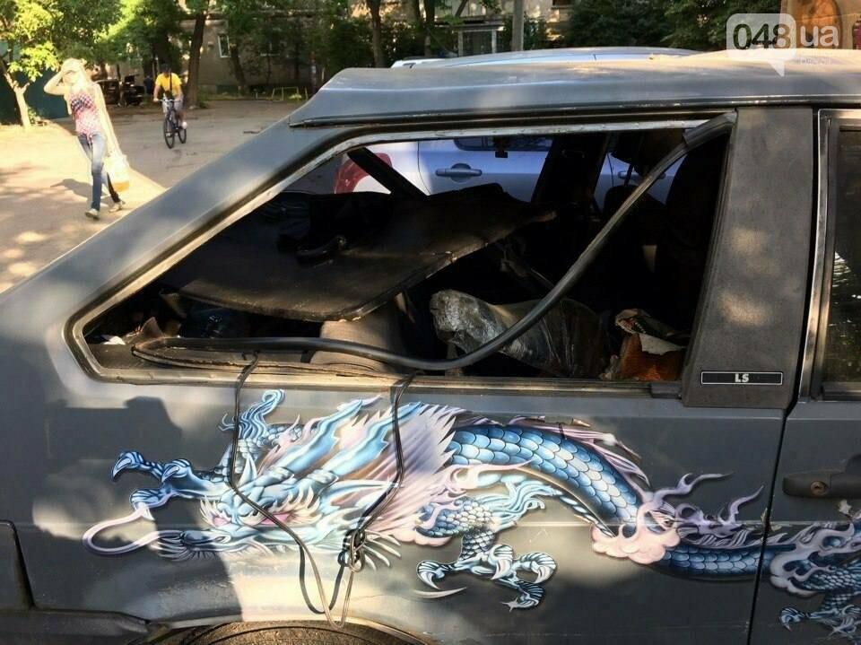 В Одессе на Фонтане обокрали машины (ФОТО), фото-3