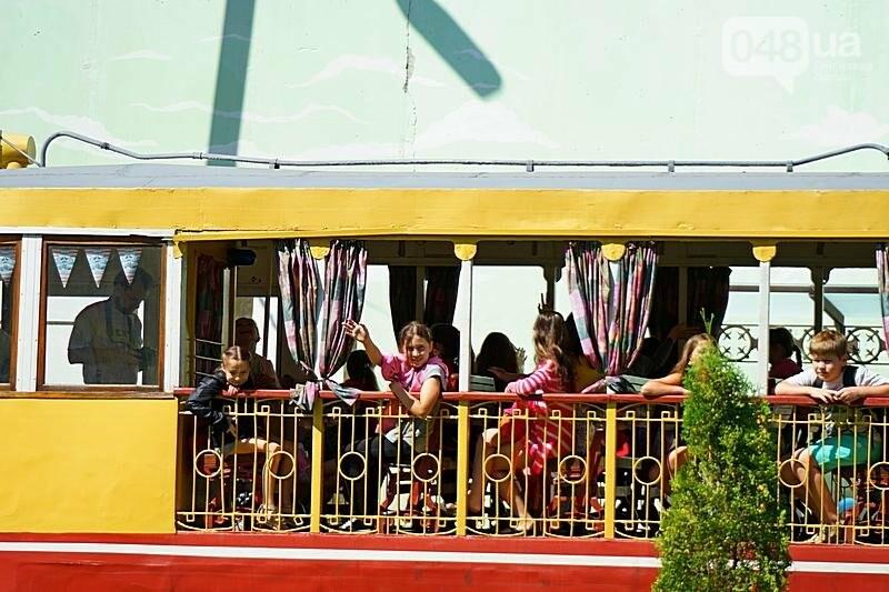 По Одессе катали детей в ретро-трамвае (ВИДЕО, ФОТО), фото-5