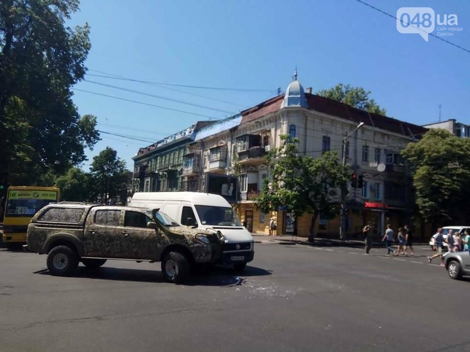 В центре Одессы масштабная авария заблокировала движение (ФОТО), фото-3