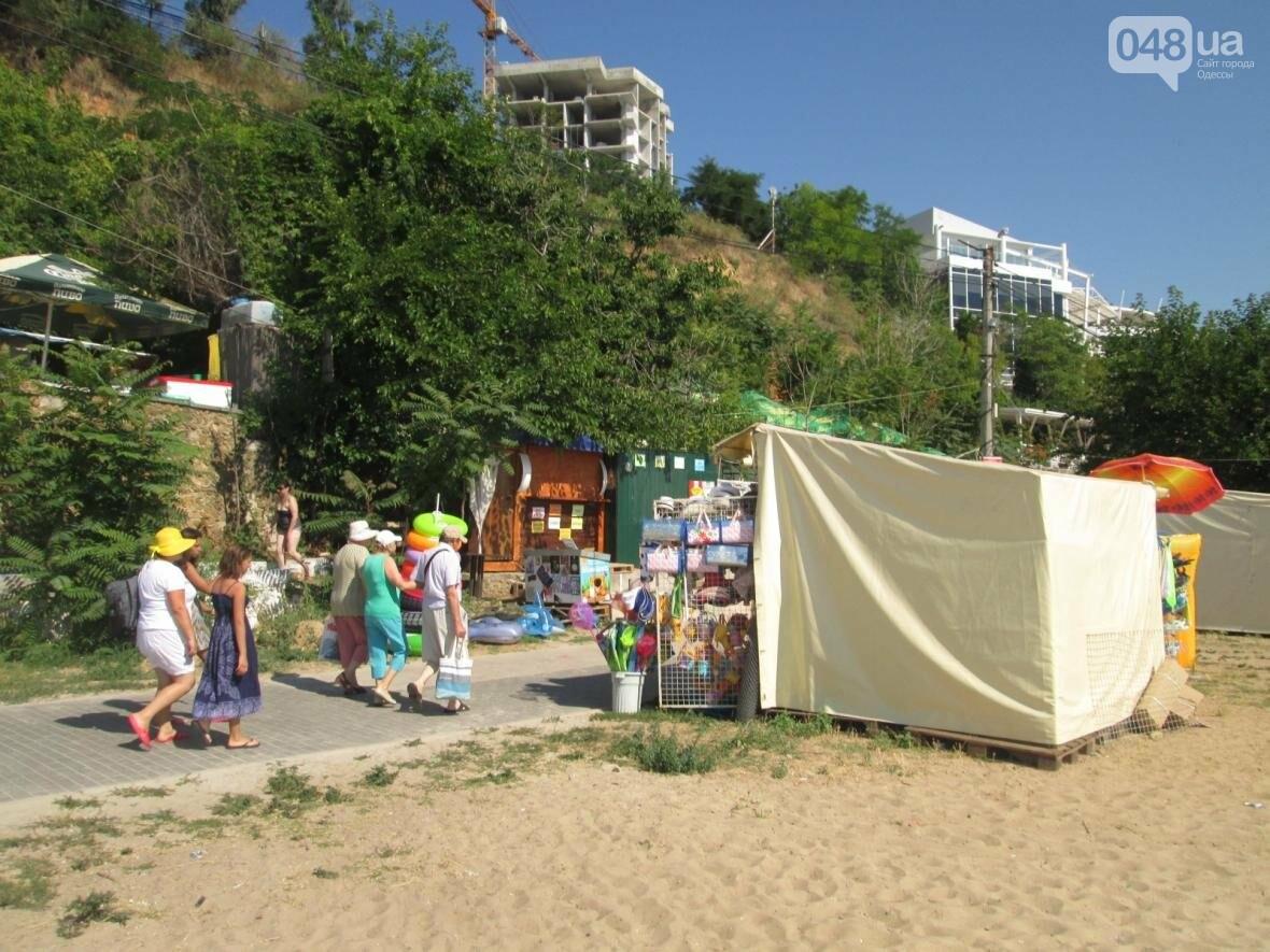 Базар, стройка и рак-отшельник: чем еще удивит одесский пляж (ФОТО), фото-24