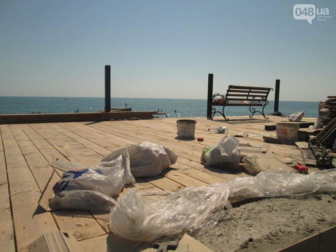 Бесплатные шезлонги и шумная стройка: Одесский пляж огорчил и удивил (ФОТО), фото-16