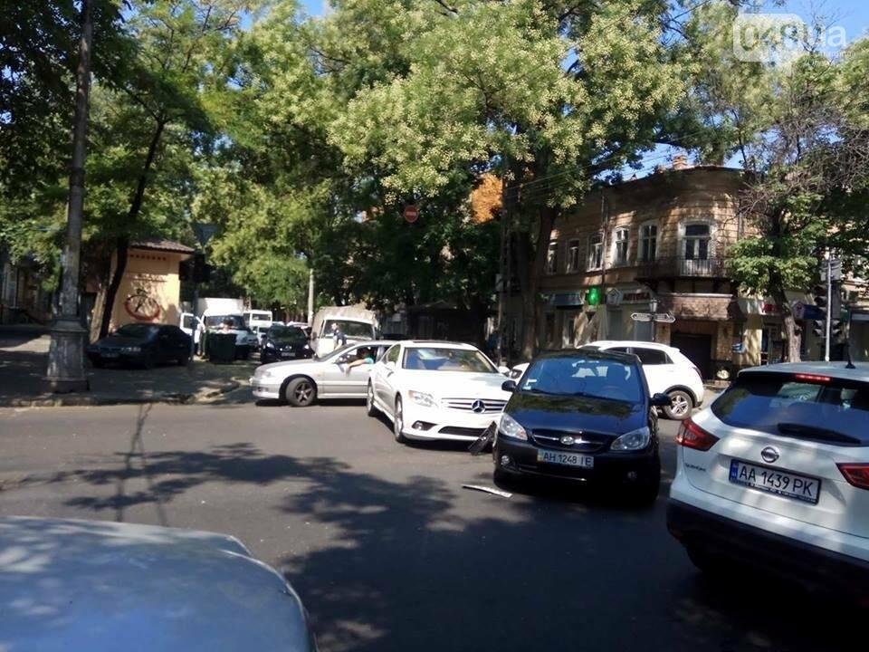 В центре Одессы Мерседес протаранил гостей из Донецка (ФОТО), фото-4