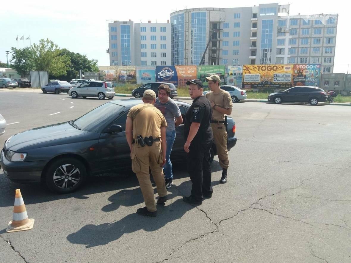 Под Одессой гонщика, сбившего маленького ребенка, чуть не избила толпа (ФОТО, ВИДЕО), фото-2