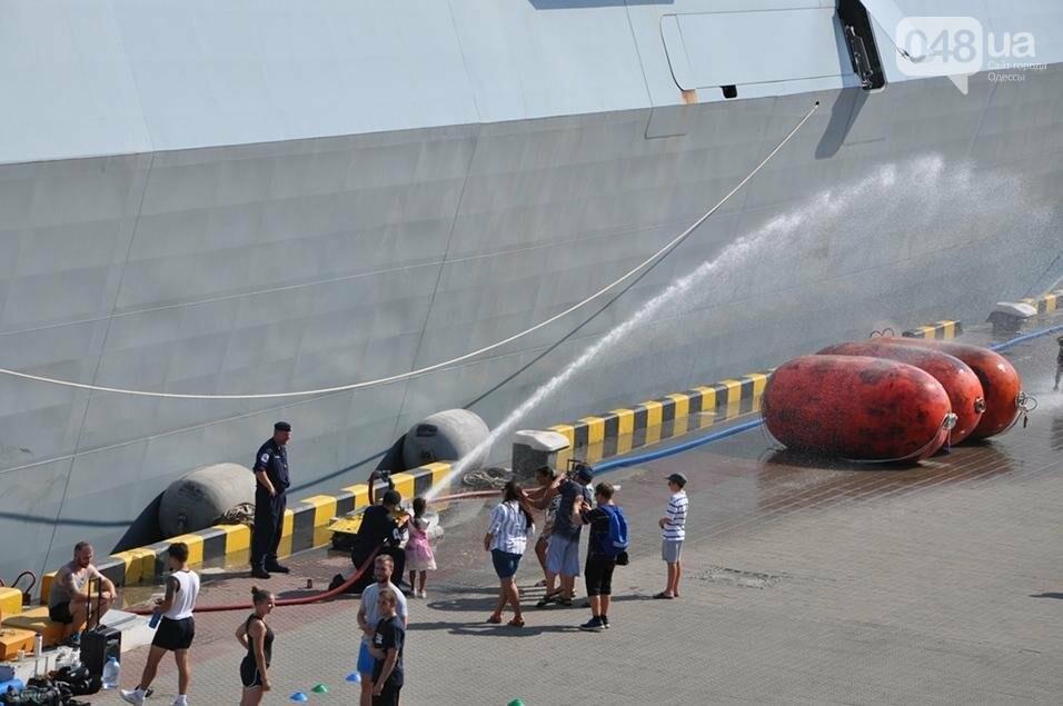 Тысячи одесситов попали на военные корабли НАТО (ФОТО), фото-1