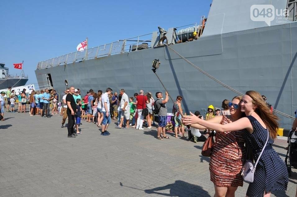 Тысячи одесситов попали на военные корабли НАТО (ФОТО), фото-7