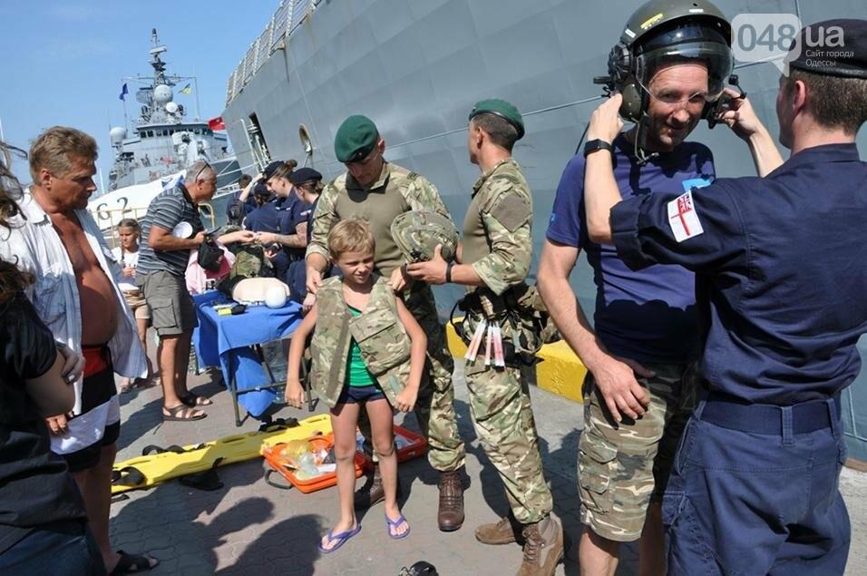 Тысячи одесситов попали на военные корабли НАТО (ФОТО), фото-6