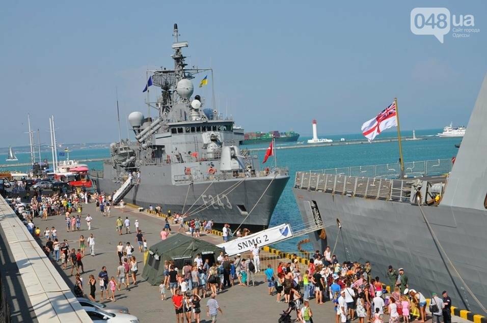 Тысячи одесситов попали на военные корабли НАТО (ФОТО), фото-2