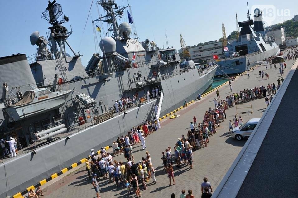 Тысячи одесситов попали на военные корабли НАТО (ФОТО), фото-3