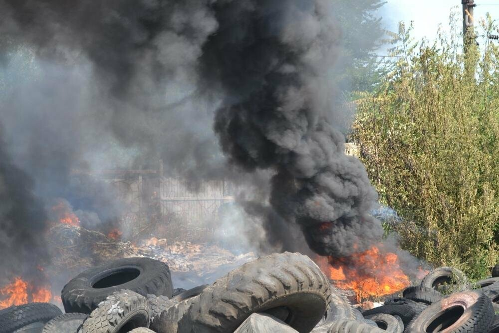 """На """"Краяне"""" произошел пожар: столб черного дыма напугал одесситов (ФОТО), фото-1"""