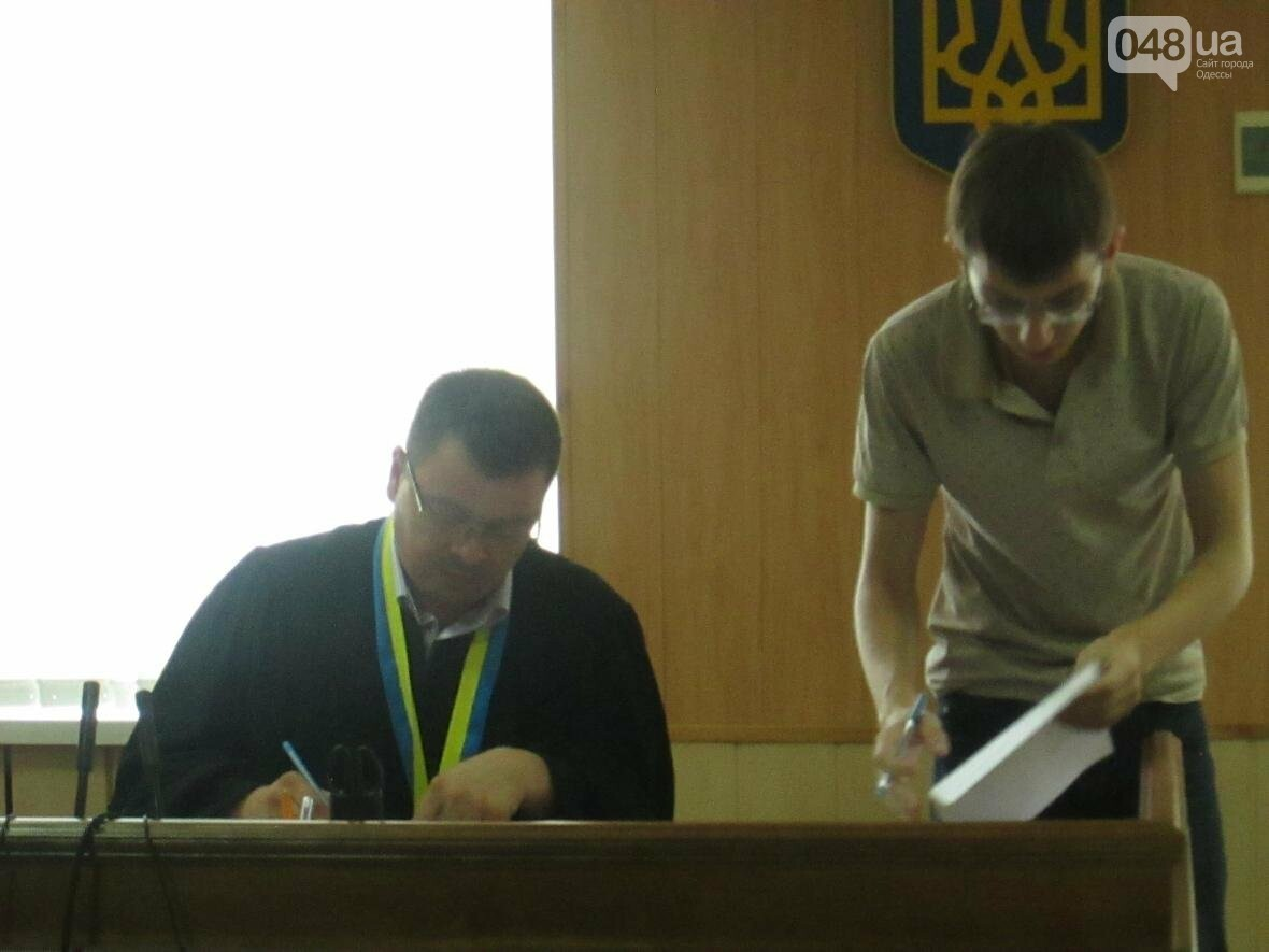 Пронесло: Одесского депутата посадят не сегодня (ФОТО, ВИДЕО), фото-3