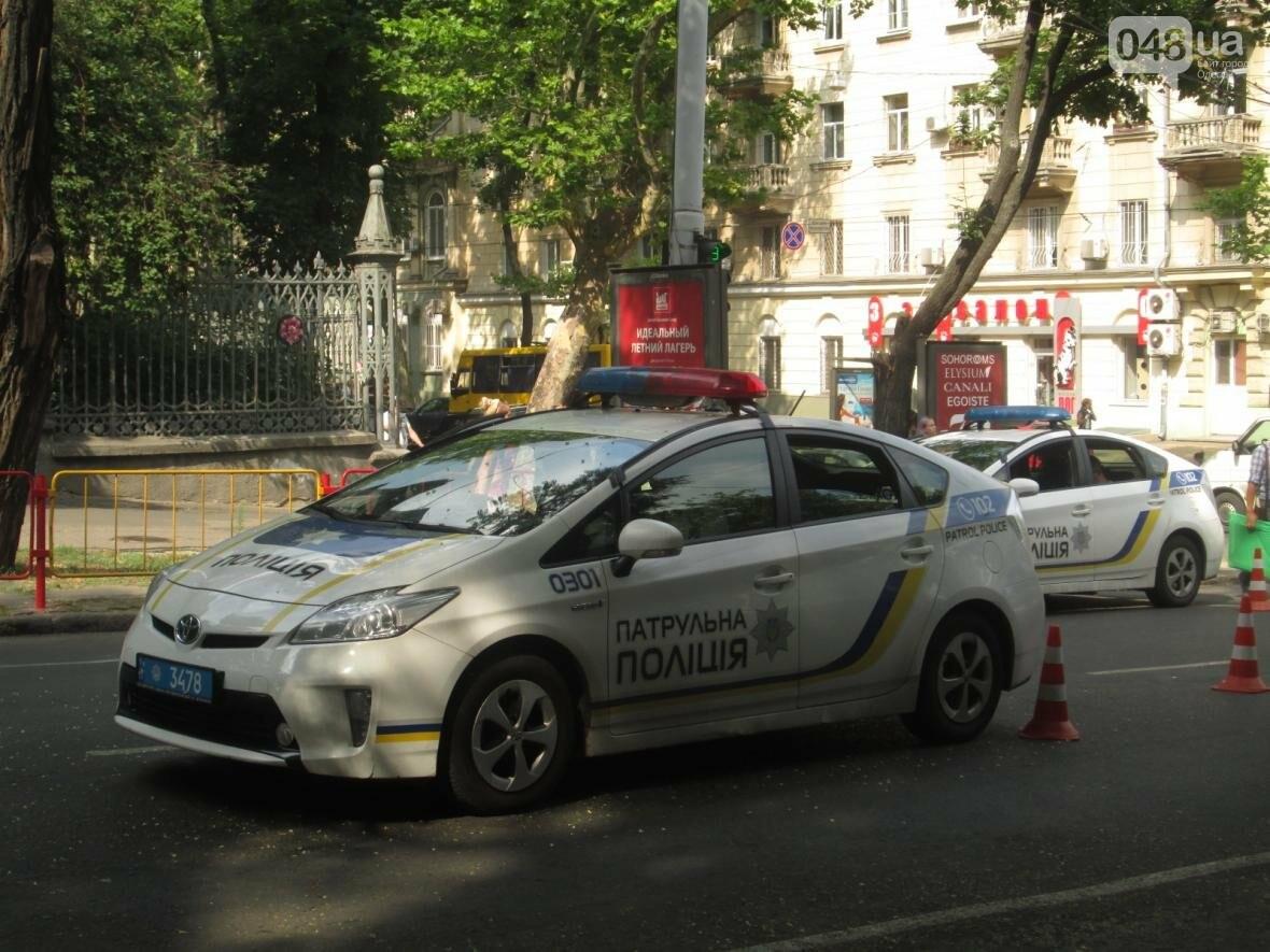 В центре Одессы патрульные полицейские сбили пешехода (ФОТО), фото-1