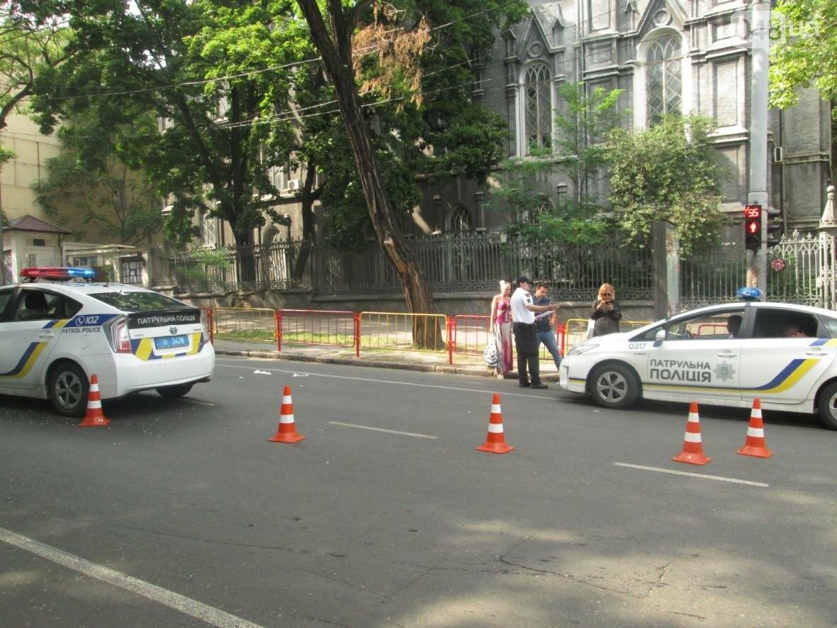 В центре Одессы патрульные полицейские сбили пешехода (ФОТО), фото-3