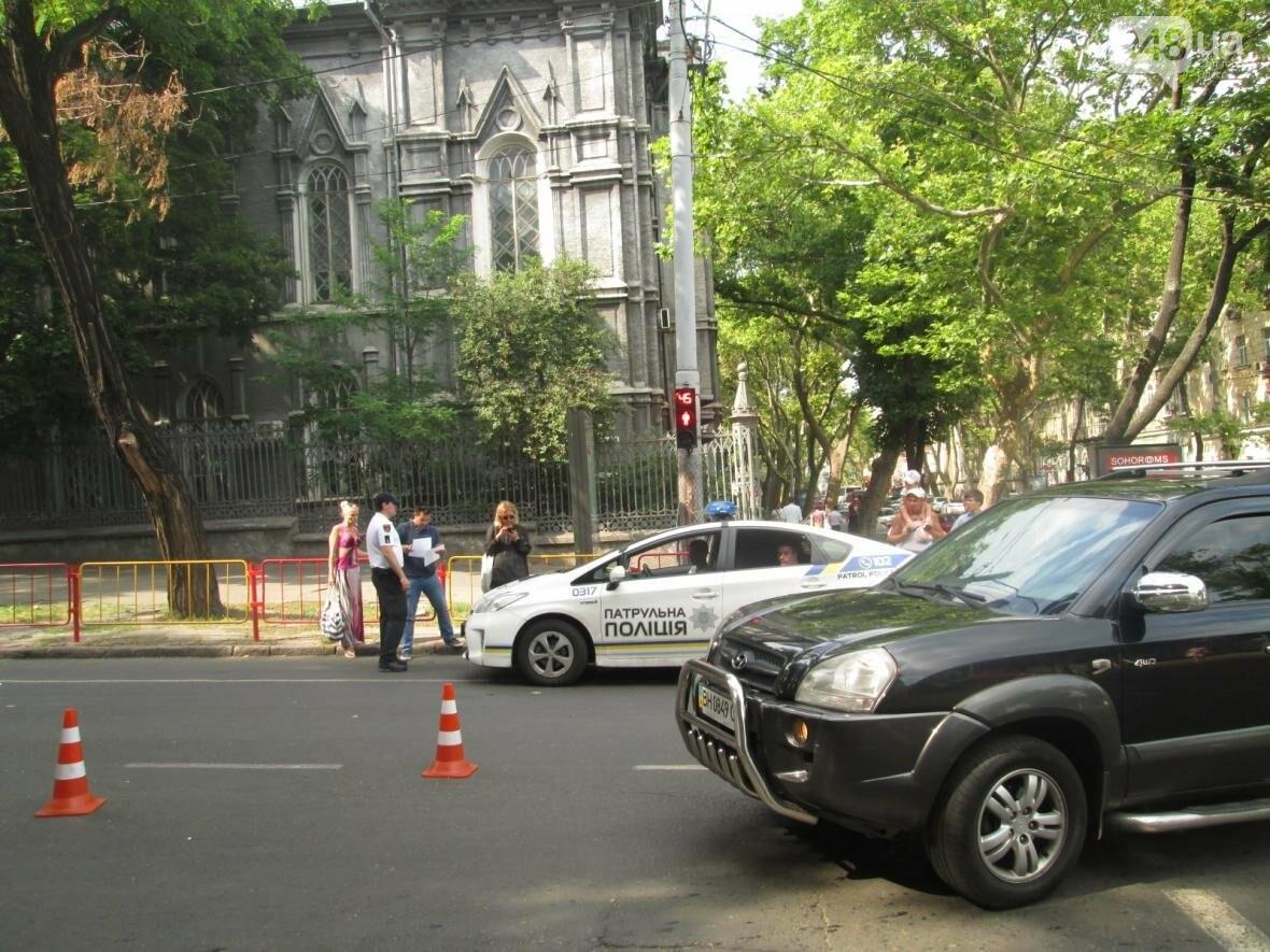 В центре Одессы патрульные полицейские сбили пешехода (ФОТО), фото-4