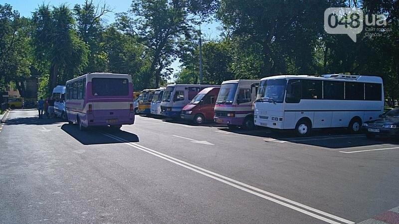 Автостанцию в центре Одессы открыли понарошку (ФОТО), фото-13