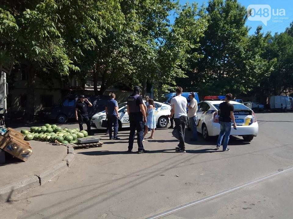 """В Одессе полиция кошмарит рынок """"Привоз"""" (ФОТО, ВИДЕО), фото-3"""