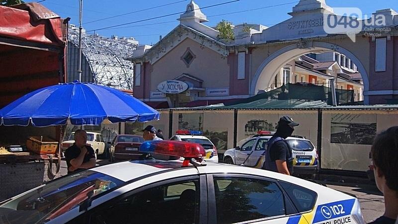 Как на «Привозе» иностранцы от одесской полиции убегали (ФОТО, ВИДЕО), фото-13